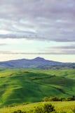 典型的托斯坎美丽的景色 库存照片