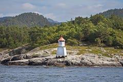 典型的挪威灯塔 免版税库存图片