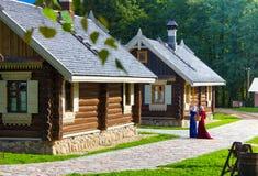 典型的村庄房子在乡下 库存图片