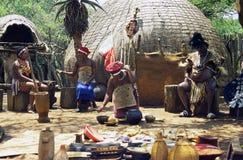 典型的村庄祖鲁族人 免版税库存图片