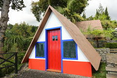 典型的桑塔纳马德拉岛房子 图库摄影