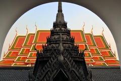 典型的泰国佛教寺庙 库存照片