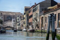 典型的美丽如画的浪漫威尼斯式运河-威尼斯,意大利 库存图片