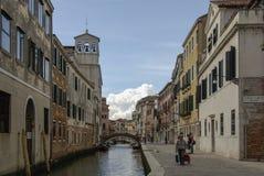 典型的美丽如画的浪漫威尼斯式运河-威尼斯,意大利 库存照片