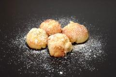 典型的自创传统甜酥皮点心 免版税图库摄影
