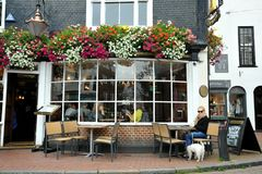 典型的英国客栈在布赖顿,英国 库存图片