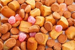 典型的荷兰语甜点: pepernoten (姜螺母) 免版税库存图片