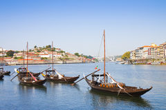 典型的葡萄牙小船以前用于运输famou 免版税库存图片