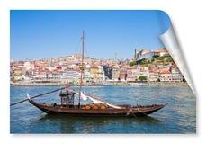 典型的葡萄牙木小船,叫 免版税库存图片