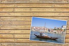 典型的葡萄牙木小船,叫- barcos rabelos-,半新i 免版税库存图片