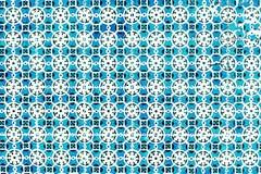 典型的葡萄牙瓦片、蓝色Azulejo、西班牙语、意大利语和mo 库存照片