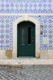 典型的葡萄牙门 库存照片