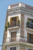 典型的西班牙葡萄酒大厦在巴塞罗那,西班牙语 免版税库存照片