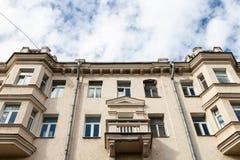 典型的都市房子门面在莫斯科 免版税库存图片