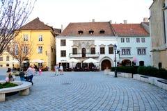 典型的都市风景在肖普朗(Ã-denburg),匈牙利 库存图片