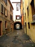 典型的都市风景在费拉拉,意大利,在一个雨天 图库摄影
