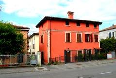 典型的都市风景在费拉拉,意大利 库存图片