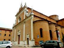 典型的都市风景在费拉拉,意大利 免版税库存照片