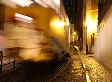 典型的里斯本电车,葡萄牙,欧洲 免版税库存照片