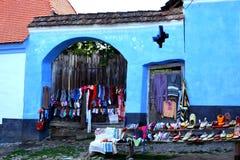 典型的风景在村庄Viscri,特兰西瓦尼亚 库存照片