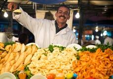 典型的食物立场在马拉喀什 免版税图库摄影