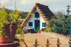 典型的马德拉岛农夫` s房子 库存照片