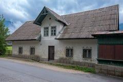 典型的高山房子从19世纪 免版税图库摄影