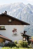 典型的Tyroler房子在Dorfl,奥地利 库存图片