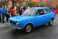 经典意大利汽车在游行的菲亚特127 免版税库存照片