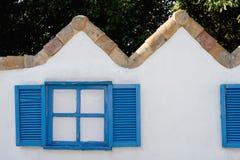 经典木窗口 免版税库存图片