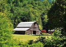 经典木谷仓在华盛顿 免版税图库摄影