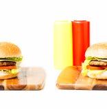 经典汉堡包用乳酪 库存图片