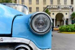 经典汽车出租汽车-旅馆Nacional -哈瓦那,古巴 免版税库存图片