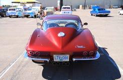 经典汽车:1964年轻武装快舰刺激光线小轿车-背面图 免版税库存图片