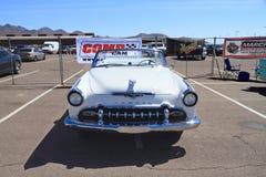 经典汽车:1955年DeSoto Fireflite敞篷车-正面图 免版税库存照片