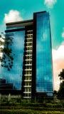 经典现代玻璃大厦公寓在Ikoyi拉各斯 免版税库存图片
