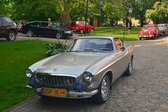 经典瑞典汽车P1800停放的富豪集团 图库摄影