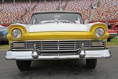 经典福特Fairlane汽车 免版税图库摄影