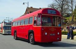 经典红色伦敦运输局公共汽车 库存图片