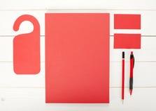 经典红色公司本体模板设计 企业驻地 免版税库存图片