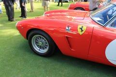经典红色意大利赛车前闸出气孔 库存照片