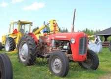 经典美国拖拉机:Massey福格逊35 图库摄影