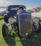 经典美国旧车改装的高速马力汽车 库存图片