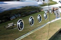 经典美国汽车防御者细节 免版税库存照片