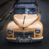经典美国老朋友汽车在古巴 免版税图库摄影