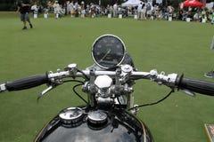经典英国文森特摩托车拨号盘把手和坦克 免版税库存照片
