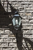 经典路灯柱在巴塞罗那老镇  库存图片