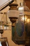经典阿拉伯ramadhan回教的灯笼灯光葡萄酒东方传统垂悬的标志 免版税库存照片