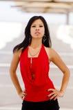典雅时装模特儿红色佩带 免版税库存图片