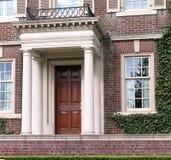 典雅的入口房子 库存图片